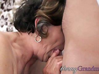 Grannys hairy vag fucked