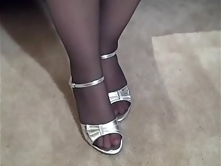 Chubby Wife in Pantyhose and High Heels PAWG