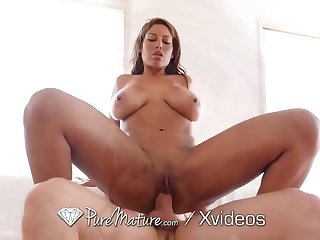 PUREMATURE Huge Booty MILF Spied On Fresh Out The Shower