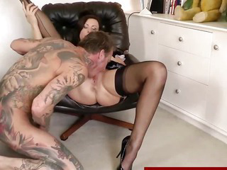 Euro mature in stockings gives head