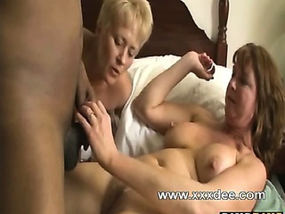 Threesome matures party