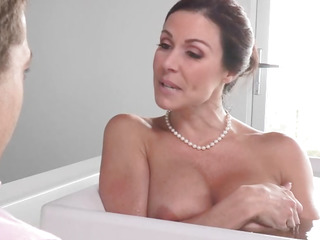 Stepson sneaked on her huge boobs stepmom in the bathtub