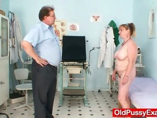 Mature Jindra gyno old pussy exam
