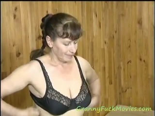Granny Sue loves some foreplay